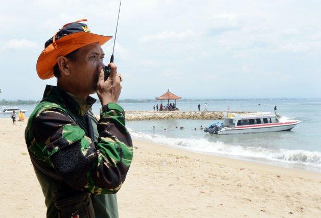 Selon un membre de l'agence des secours de... (PHOTO SONNY TUMBELAKA, AFP)