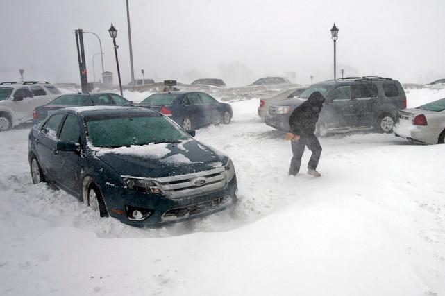 Un carambolage impliquant une cinquantaine de véhicules s'est produit peu après... (PHOTO ARCHIVES LA PRESSE CANADIENNE)