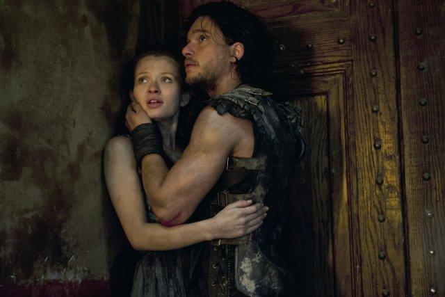 Emily Browning (Cassia) et Kit Harrington (Milo).... (Photo: fournie par Tristar Pictures)