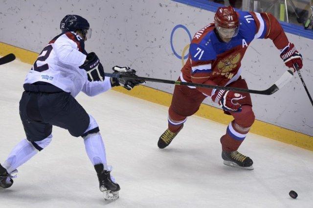Ilya Kovalchuk, à droite, a raté les dernières... (PHOTO ALEXANDER NEMENOV, AFP)