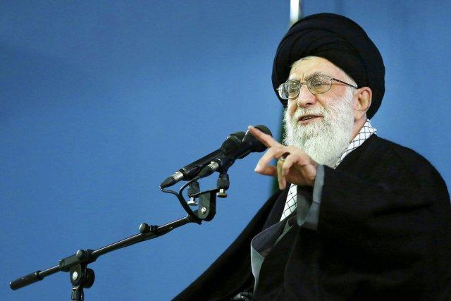 L'ayatollah Ali Khamenei (ci-dessus), ultime décisionnaire des dossiers... (PHOTO AP/BUREAU DU GUIDE IRANIEN SUPRÊME)