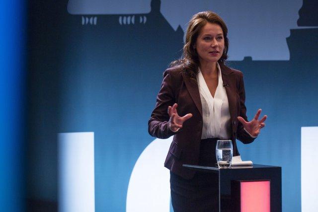 Sidse Babett Knudsen dans Borgen, une femme au... (Photo: fournie par ICI ARTV)