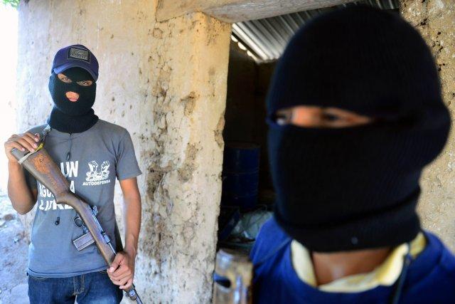 Ces deux jeunes, qui préfèrent être identifiés par... (PHOTO ALFREDO ESTRELLA, AFP)