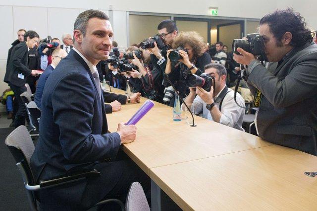 Le leader de l'opposition ukrainienneVitali Klitschko, lors d'une... (Photo Maurizio Gambarini, AFP)