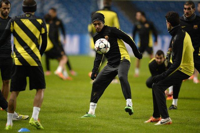 Les joueurs du FC Barcelone se sont entraînés... (Photo Nigel Roddis, Reuters)