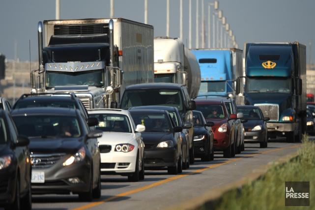 Lors de mon retour de Toronto par la route 401 vers Montréal, j'ai compté 25... (Photo Bernard Brault, archives La Presse)