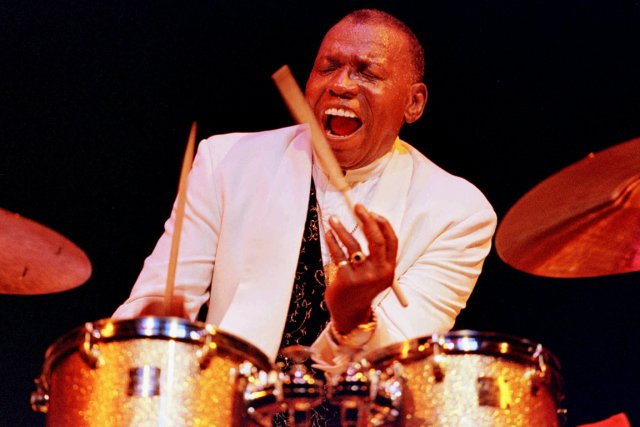 Le batteur Elvin Jones, en 1997, au festival... (Photo Susan Ragan, archives AP)