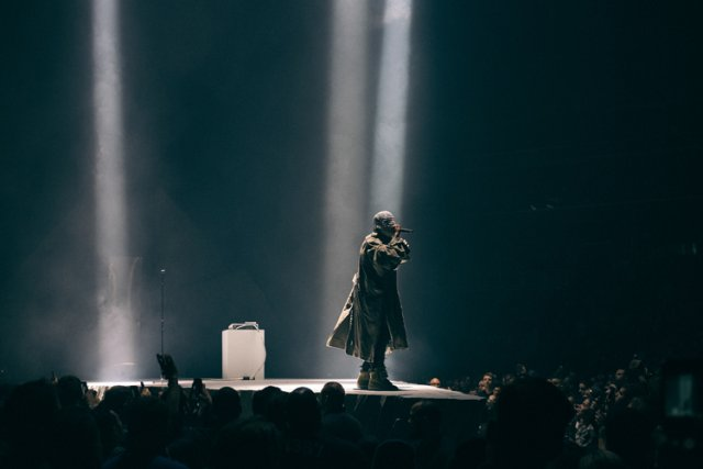 Masqué pendant la majeure partie du spectacle, Kanye... (Photo: Jerry Buttles, Collaboration spéciale)