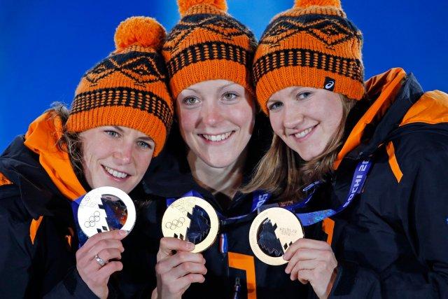 Les Néerlandaises Jorien Ter Mors (or, au centre),... (Photo Issei Kato, Reuters)