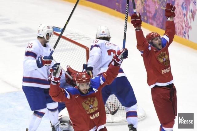 Ilya Kovalchuk et Alexander Radulov célèbrent.... (Photo Bernard Brault, La Presse)