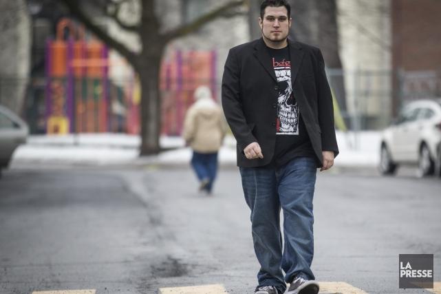 Sylvain marche tous les jours plus de 30... (PHOTO OLIVIER PONTBRIAND, LA PRESSE)