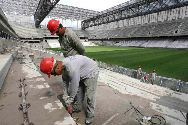 La FIFA a jugé que le chantier du... (Photo Rodolfo Buhrer, Reuters)