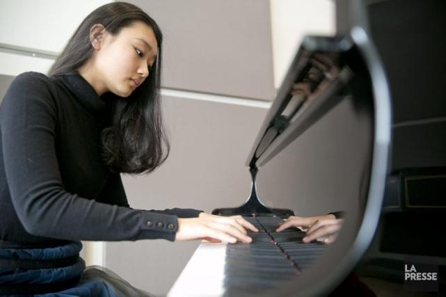 La pianiste Karin Kei Nagano, fille du chef... (Photo: David Boily, La Presse)