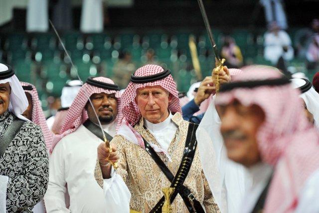 Le prince Charles a participé en compagnie de... (PHOTO FAYEZ NURELDINE, AFP)