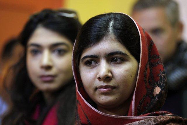 Malala, lauréate du prix Sakharov pour les droits... (Photo MUHAMMAD HAMED, Reuters)