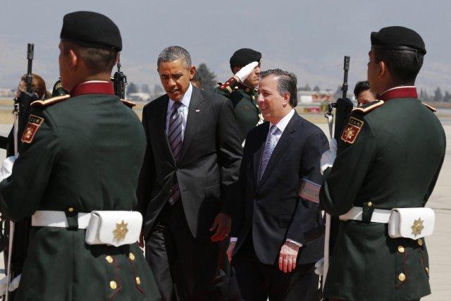 Barack Obama en compagnie du ministre mexicain des... (Photo Larry Downing, Reuters)