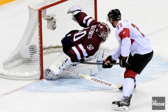 Le gardien de la Lettonie Kristers Gudlevskis a... (Photo Bernard Brault, La Presse)