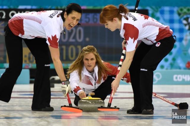 L'équipe canadienne féminine de curling, menée par la... (Photo Bernard Brault, La Presse)