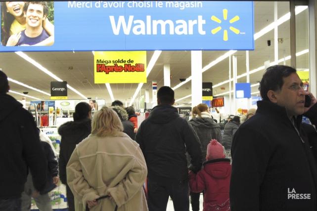 Au Canada, Walmart justifie la baisse de ses... (PHOTO NINON PEDNAULT, LA PRESSE)