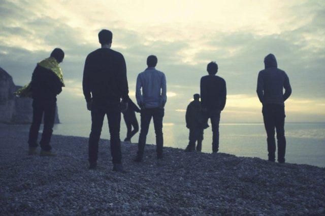 Sur scène, impossible de les reconnaître. Les cinq... (Photo: fournie par le groupe)