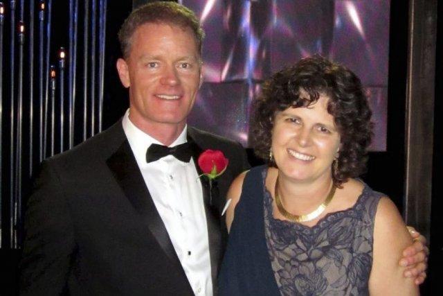 Eric Veach et sa femme Luanne Lemmer.... (Photo: La Presse Canadienne)