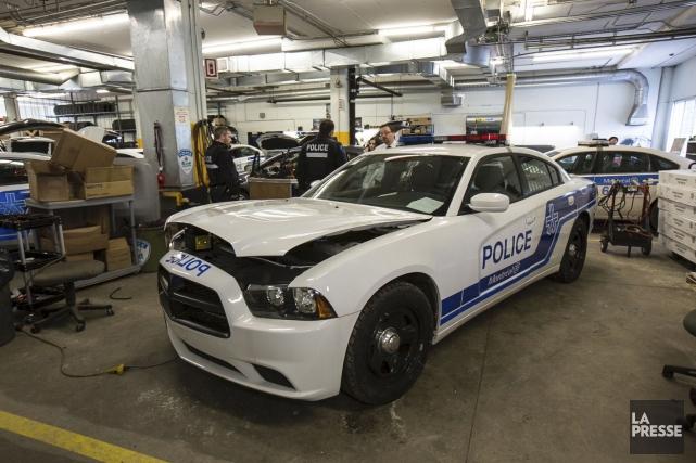 Une Dodge Charger modifiée pour devenir une auto-patrouille... (PHOTO OLIVIER PONTBRIAND LA PRESSE)