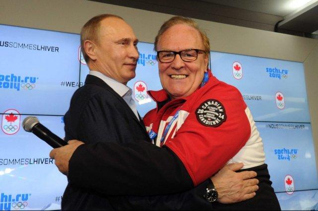 L'auteure déplore que les athlètes et membres des... (Photo Mikhail Klimentyev, Associated Press)