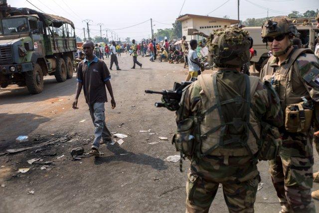 La capitale, Bangui, est quotidiennement la proie d'attaques... (PHOT FRED DUFOUR, AFP)