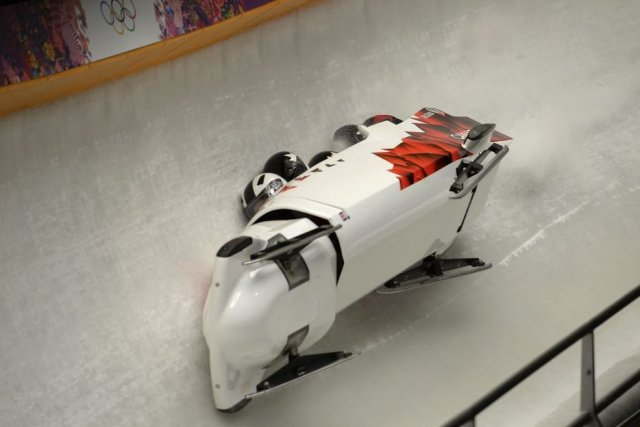 Le Canada-3 piloté par Justin Kripps a terminé... (PHOTO LEON NEAL, AFP)