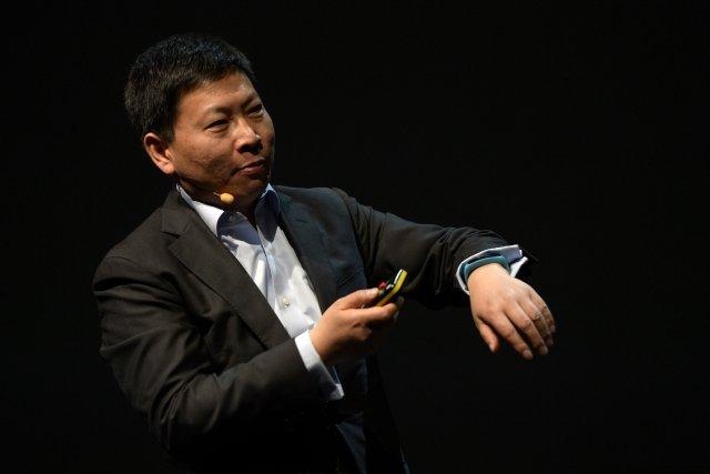 La montre, baptisée TalkBand et qui sera commercialisée... (Photo LLUIS GENE, AFP)