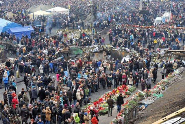 Il y avait foule hier au Maïdan, le... (PHOTO GENYA SAVILOV, AFP)