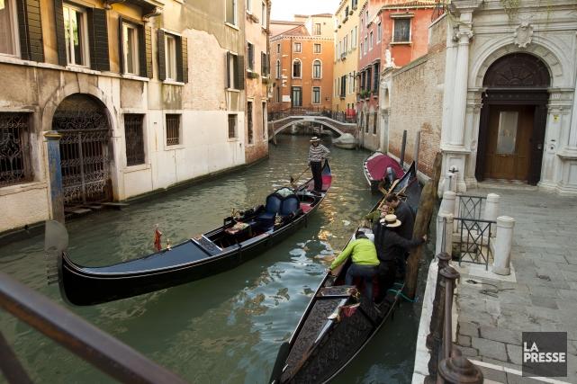 À Venise, où les voitures sont bannies, même les enfants n'ont pas le droit de... (PHOTO MARTIN CHAMBERLAND, LA PRESSE)