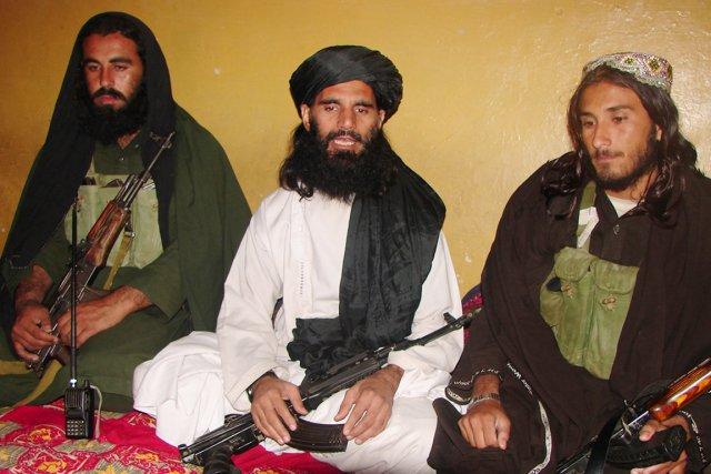 Asmatullah Shaheen (au centre) était le président de... (PHOTO THIR KHAN, ARCHIVES AFP)