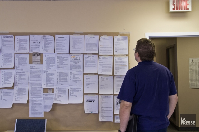 Un jeune qui intègre un emploi va payer... (Photo archives La Presse)