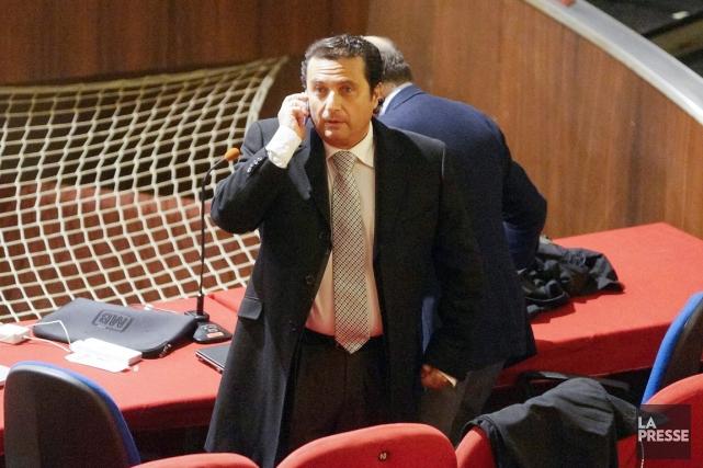 Francesco Schettino est poursuivi pour homicides multiples par... (PHOTO ALESSANDRO LA ROCCA, ARCHIVES AP/LA PRESSE)