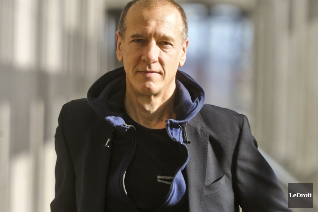 Christian Marclay présente son oeuvre The Clock, un... (Photo Martin Roy, Le Droit)