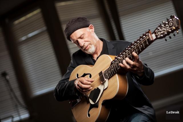 Le musicien Harry Manx... (Photo Le Droit)