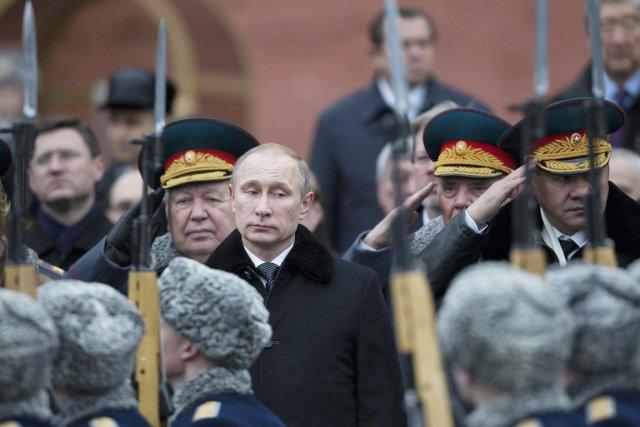 Le président Vladimir Poutine, lors d'une cérémonie célébrant... (PHOTO ALEXANDER ZEMLIANICHENKO, ARCHIVES AP)