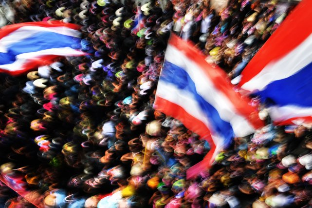 Les manifestants continuent de réclamer la démission de... (Photo Manjunath Kiran, AFP)