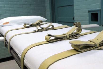 La cour pénale d'appel de l'Oklahoma a ordonné jeudi l'arrêt des exécutions... (PHOTO PAT SULLIVAN, AP)