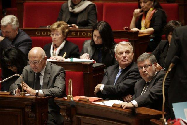 Pour le ministre du Travail Michel Sapin (à... (PHOTO JACKY NAEGELEN, REUTERS)