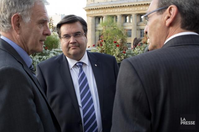Le maire de Montréal, Denis Coderre (au centre),... (Photo David Boily, archives La Presse)