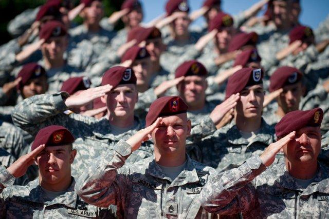 Le commandant du corps des Marines américains a accepté d'abandonner une règle... (Photo: AFP)