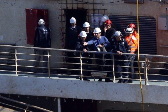 Le commandant du Costa Concordia, Francesco Schettino (au... (Photo ALESSANDRO BIANCHI, Reuters)