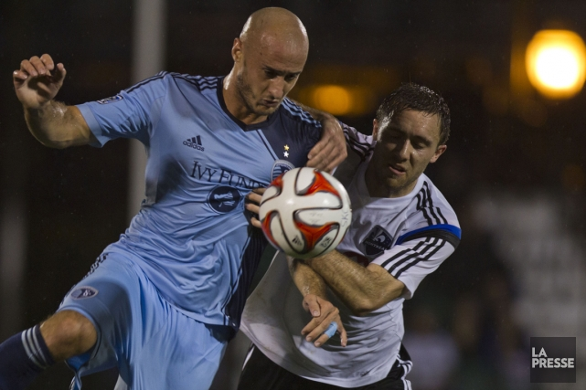 Aurélien Collin, du Sporting de Kansas City, et... (Photo Olivier Jean, La Presse)
