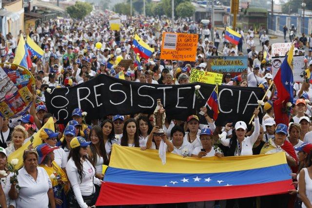 Encore hier, la mobilisation des opposants au présidents... (Photo Leo Ramirez, AFP)