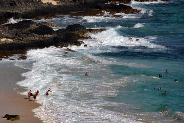 Une plage hawaïenne... (Photo JEWEL SAMAD, AFP)