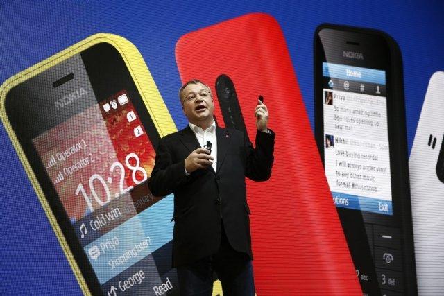 Stephen Elop a présenté une nouvelle gamme de... (Photo Simon Dawson, Bloomberg)