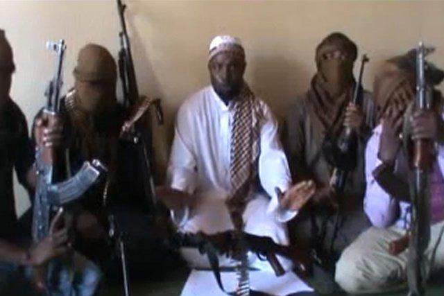 Abubakar Shekau (au centre), le leader présumé du...