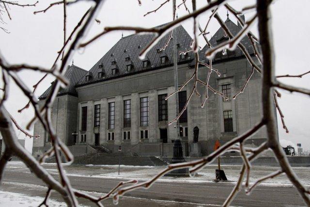 Deux des neuf juges siégeant actuellement à la... (Photo archives La Presse Canadienne)